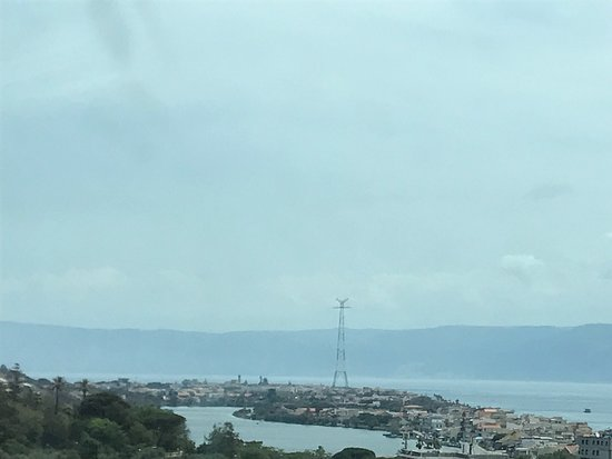 City Sightseeing Messina: Torre pylon