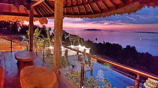 Teluknarat, Indonesien: 傍晚的夕陽看出去真的很漂亮