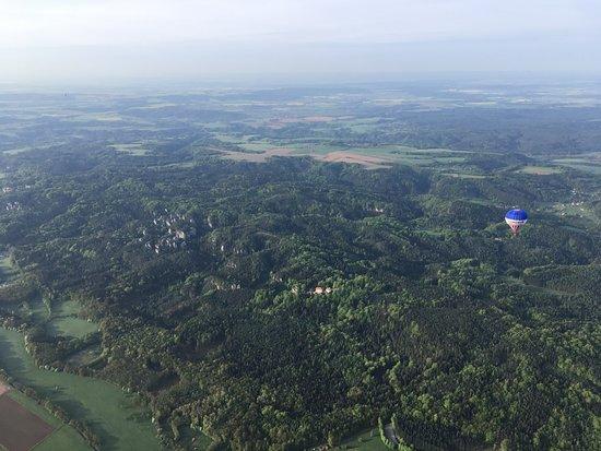 Hot air balloon rides in the Czech Republic: Вид со 2го шара