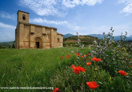 San Vicente de la Sonsierra, Spanyol: Fachada de la Basílica de Santa María de la Piscina.
