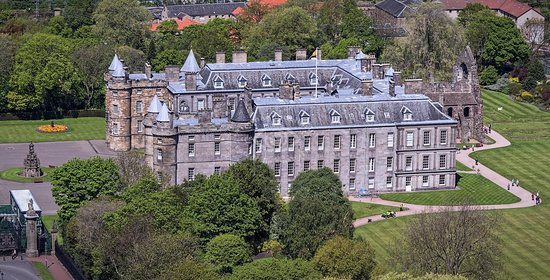 Holyrood Park: vista sul palazzo