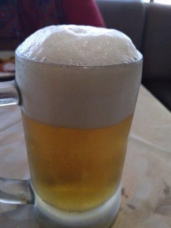 Sea Rock Family Restaurant & Bar: Beer brings cheer