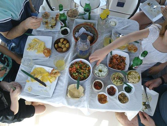 Mazav Haruach: great food