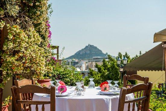 Ελαία Εστιατόριο: Amazing view- amazing table