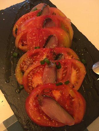 RESTAURANTE LA MASCOTTE: Tomate con bonito en salazón