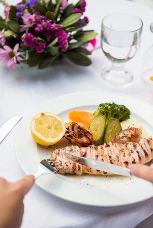 Ελαία Εστιατόριο: Greek grilled kalamari