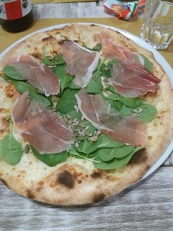 Castelnuovo Scrivia, Włochy: 20180520_205002_large.jpg