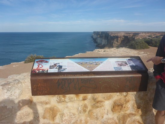 Nullarbor, Australia: Official Lookout