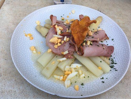 Gulpen, The Netherlands: asperges met ham en ei