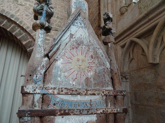 Prieuré de Saint-Thibault-en-Auxois: Chasse de Saint-Thibault (détail)