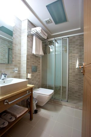 Hotel istanbul trend 83 8 8 updated 2018 prices for Cheap hotel in laleli istanbul