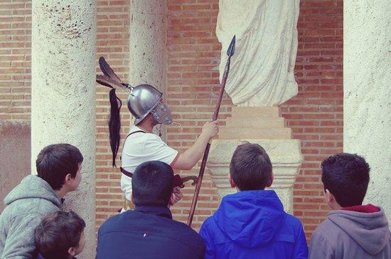 Alhambra, Spanyol: Visitas teatralizadas para niños