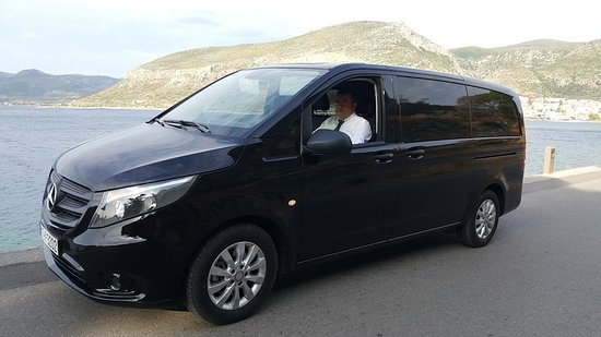 Monemvasia, Grecja: With a brand new fleet of cars and vans we organize unique customized private tours in Greece.