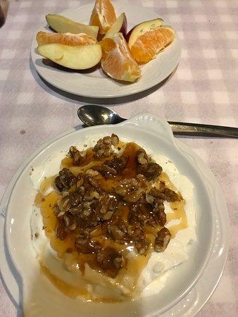 Prines, Hellas: Griechischer Joghurt (Ziege!)
