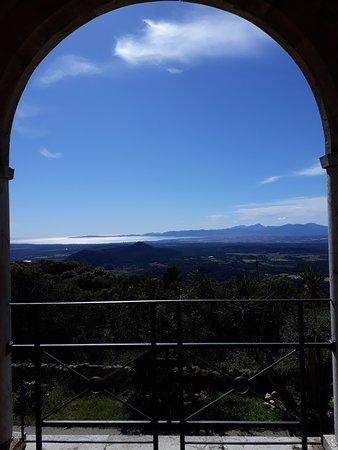 Algaida, España: Vue de la baie de Palma depuis l'un des balcons du monastère de Cura