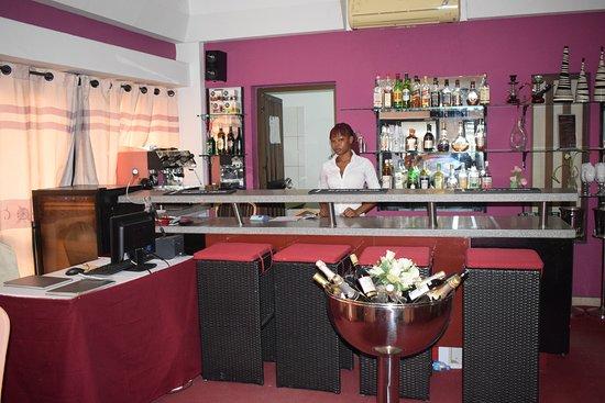 Djibson Hotels: Le bar