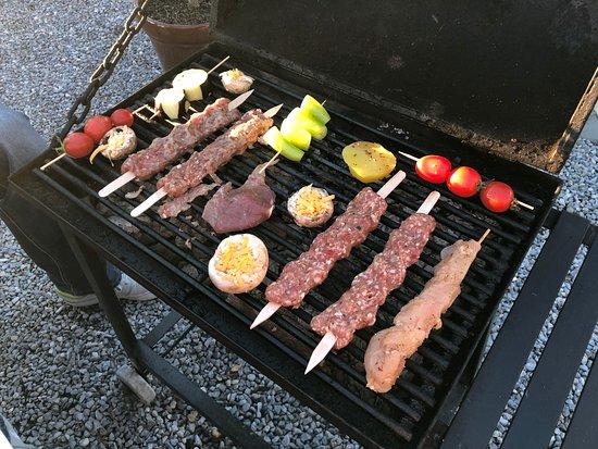 Aydinbey King's Palace & Spa: Barbecue, eigener Grill direkt am Tisch