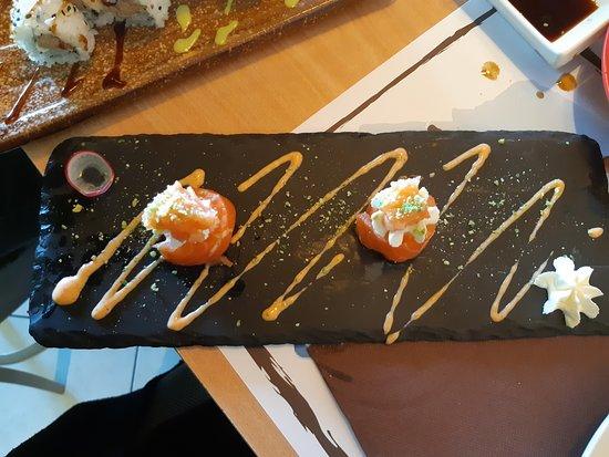 Porto d'Ascoli, อิตาลี: Sushi jo salmone
