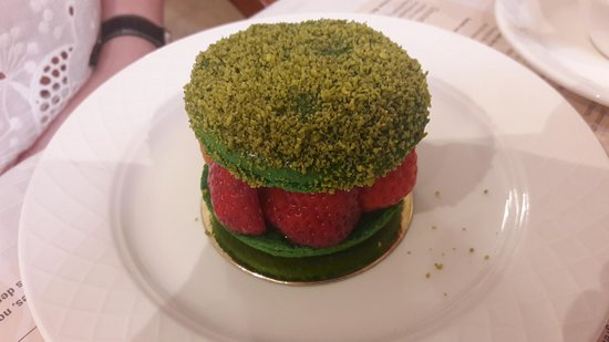 D'jolly: Macaron fraises-pistache
