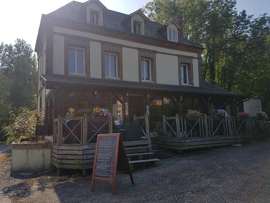 Quetteville, França: Bienvenue à L'école Buissonnière