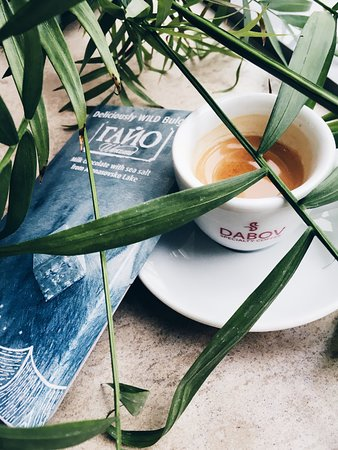 Barbossa: Specialty coffee and delicious chocolate with salt from Atanasovsko lake in Burgas