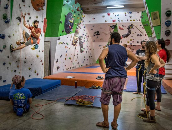 iClimb indoor Climbing Wall