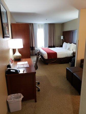 Comfort Suites - Kings Island: 20180519_150137_large.jpg