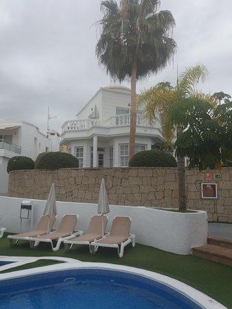 Adonis Hotel Villas Fanabe: Poolblick