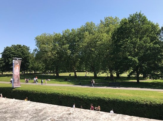 Parkside Cafe & Terrace: The glorious view from the terrace out onto Greenwich Park