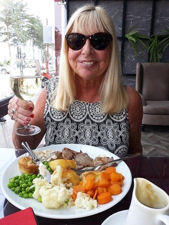 Ozankoy, Cyprus: Enjoying Sunday Lunch