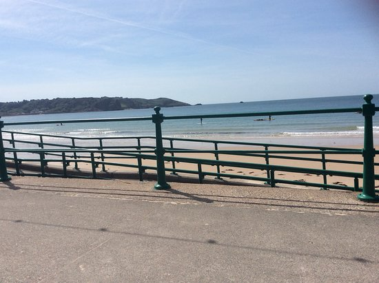 St. Brelade's Bay Beach: Photo taken from the many benches