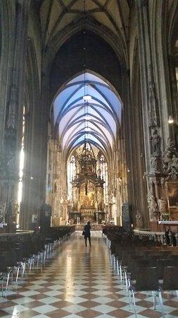 Catedral de Santo Estêvão: 20180512_092206_large.jpg