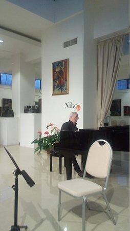 Niko Gallery