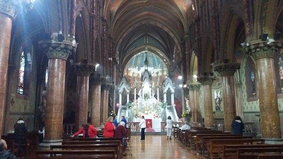 Alabado Sea El Santisimo Sacramento Iglesia: Santiago de Chile. Iglesia Monasterio de Adoración del Santísimo Sacramento.