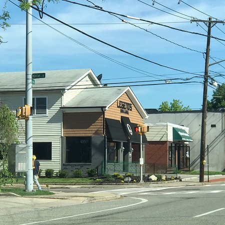 Kings Park, NY: legends Bar And Grille
