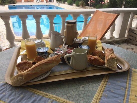 Chambre d'hotes La Potiniere: Petit-déjeuner