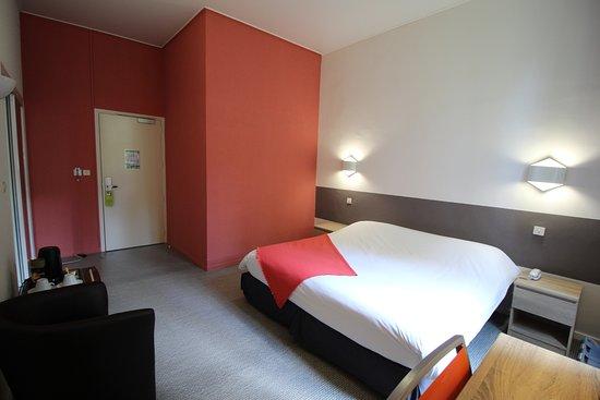 Hôtel des Thermes: Chambre confort avec des services supplémentaires.