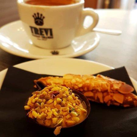 Trevi Italian Tiramisu'照片