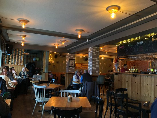 Islenski barinn The Icelandic Bar: Salle du restaurant
