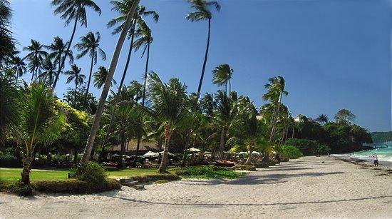 Cape Panwa Hotel: The beach