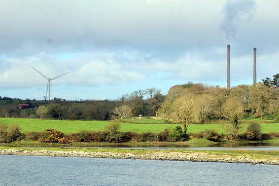 Killimer, Irlande: Old and New technologies provide the power in the region.