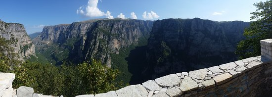 Vikos – Aoos National Park: Oxia Point, north of Monodendri village