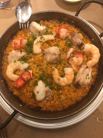 La Azotea: seafood paella