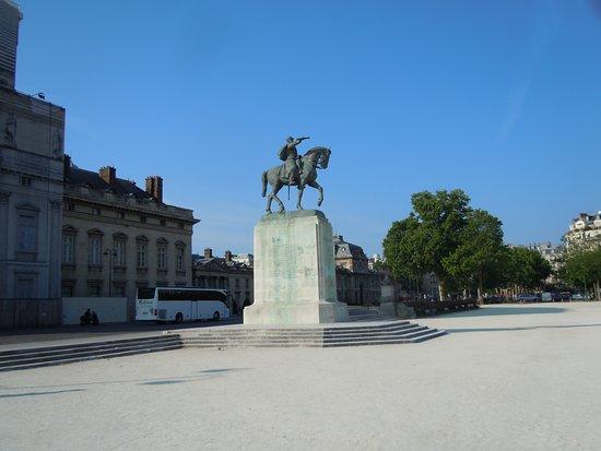 Statue Maréchal Joffre