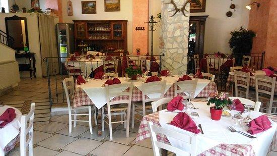 Lucoli, Italy: interno