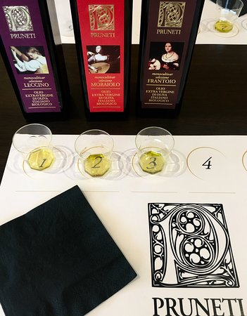 San Polo in Chianti, อิตาลี: Book your PRUNETI EXTRA EXCELLENCE oil tasting