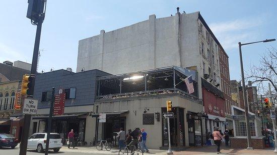 Revolution House: vista exterior