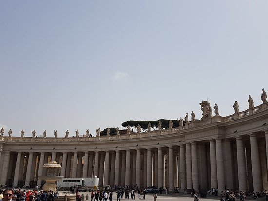 St. Peter's Square (Piazza San Pietro): 20180416_132416_large.jpg