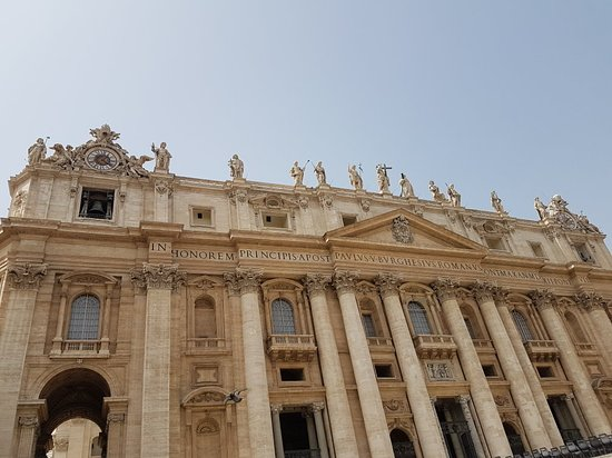 St. Peter's Square (Piazza San Pietro): 20180416_132102_large.jpg