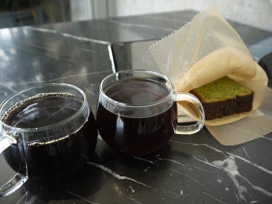 Blue Bottle Coffee Kiyosumi Shirakawa Roastery & Cafe: 其中兩款的手調咖啡